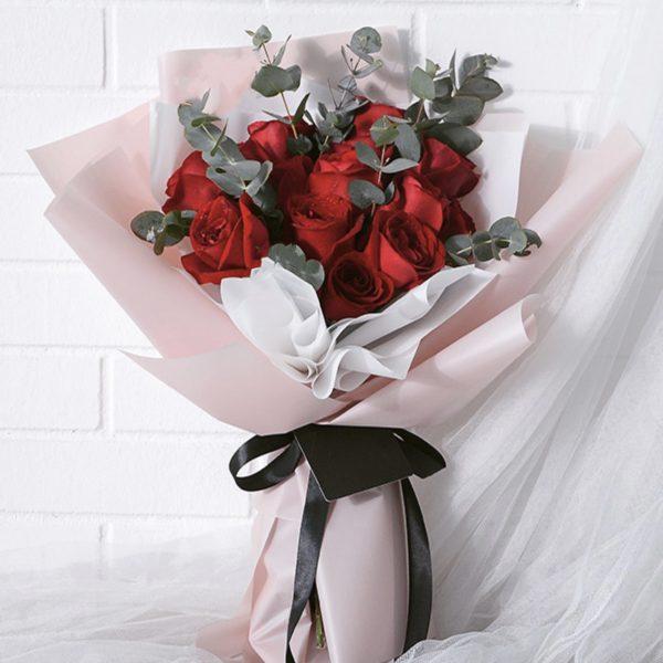 You & Me – Kenya Rose Bouquet 12 red