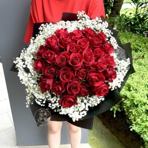 Deluxe - 30 Red Rose Baby Breath Bouquet