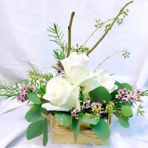 Satomi Japanese Style flower box - White Kenya rose flower box