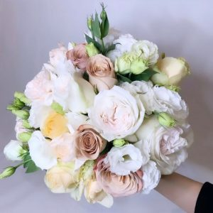 rustic white hand bouquet - round rose bouquet