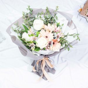 Exotic Forest - Mixed White Kenya Rose and Gerberas Bouquet