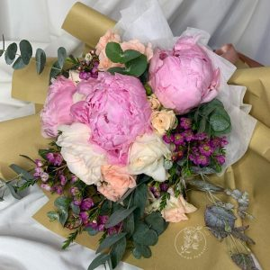 Pastel Dream - Mixed Peonies and Kenya Rose bouquet Closeup