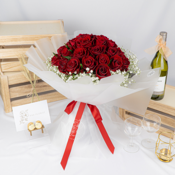 Deluxe – 30 Red Kenya Rose Baby Breath Premium XL Bouquet