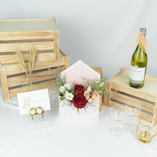 Marble Envelope Rose Box – Red Kenya Rose Bouquet