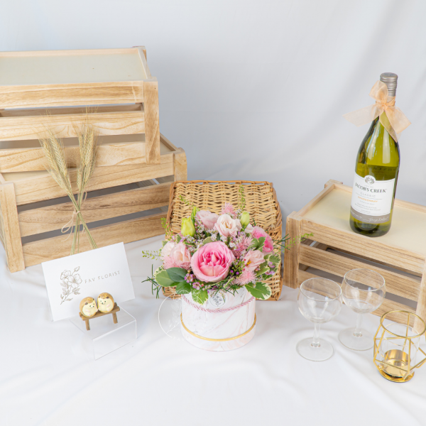 Summer Meadow - Pink Roses With Eustoma Box
