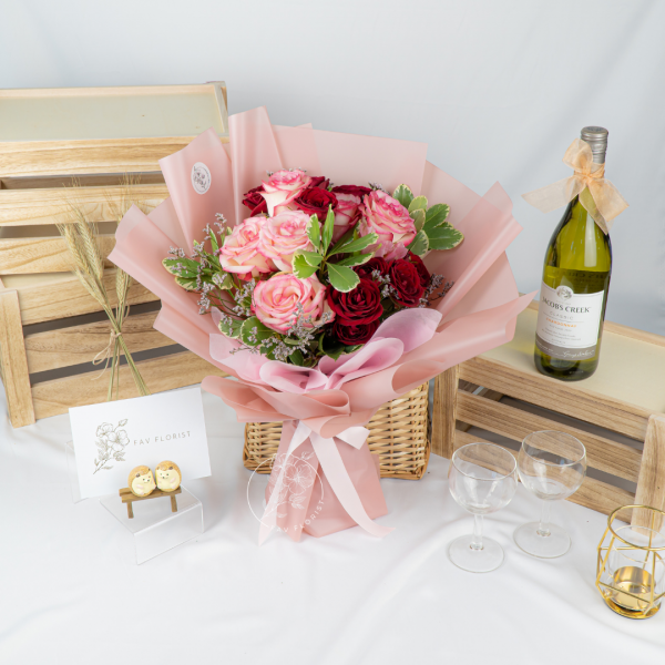 Tranquility - Vintage Rose With Rose Spray Bouquet