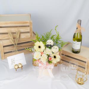 Lullaby - Kenya Roses & Gerbera Table Arrangement