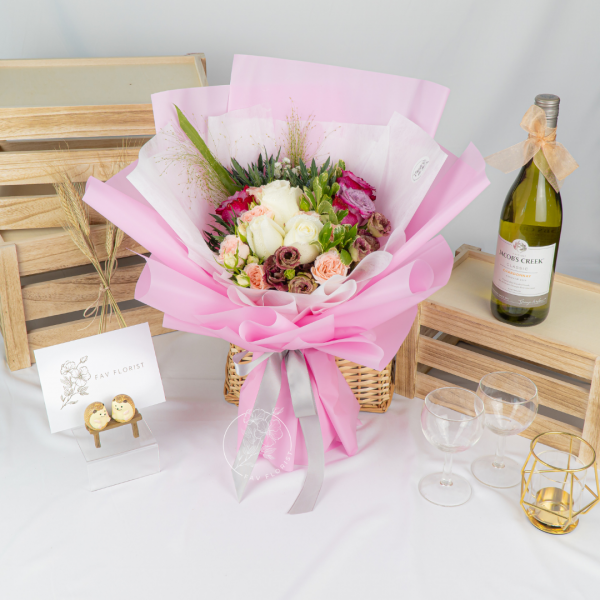Scented Love - Yam Rose & Rose Spray Bouquet
